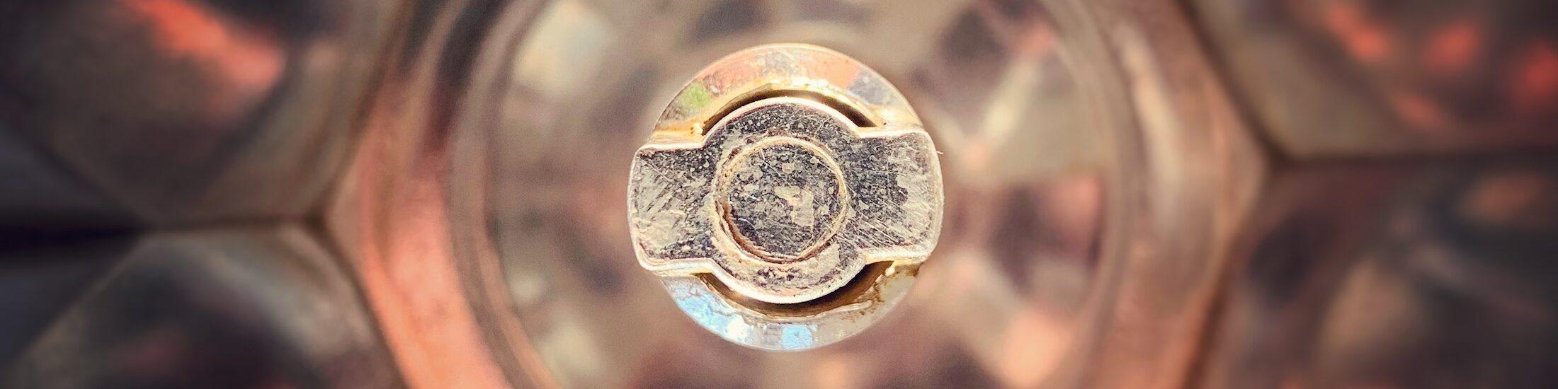 Das Innere eines Mokka Pots. um guten Kaffee zu machen, sollte es sauber sein.