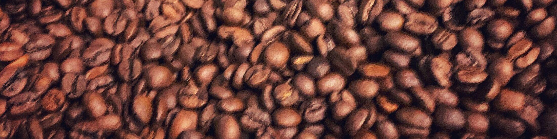 Ein Kaffee Blend in Nahaufnahme. Es ist fast Standard, allerdings leidet so die Transparenz